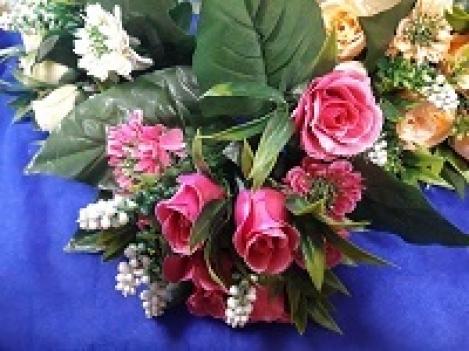 Rožu+dalija ziedu pušķis  O66H324a