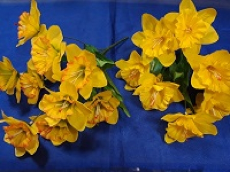 Artificial flowers of narcissus - 9